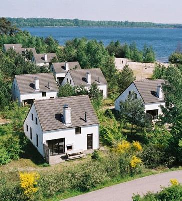 Maisons de vacances au bord d'un lac